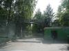 7. Подъезжаем к проходной завода Теплоизделий, общаемся с охранником за воротами